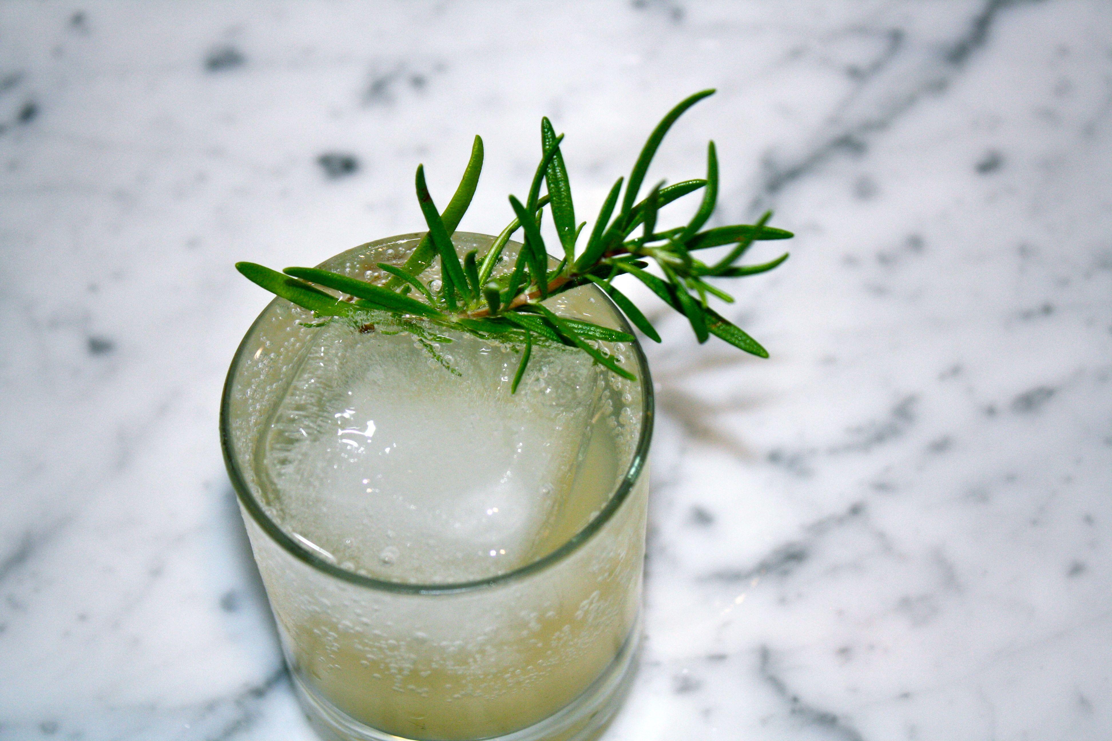 KEEL Vodka Evergreen Cocktail 3 parts keel vodka 1 part