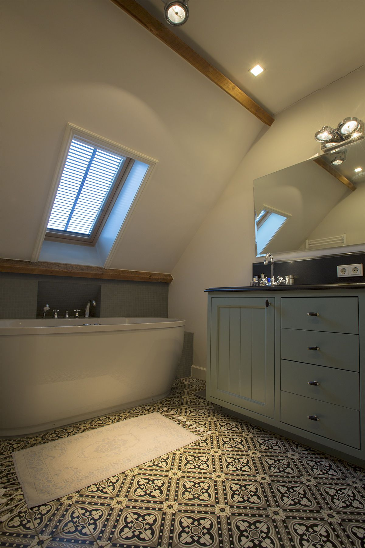 green bathroom with old tiles