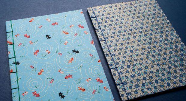 Fabriquer un cahier japonais en vidéo On n'a jamais assez de cahier pour prendre des notes, écrire nos rêves, nos pensées. On vous apprend en vidéo comment réaliser votre propre cahier japonais. Une belle idéepour la rentrée.