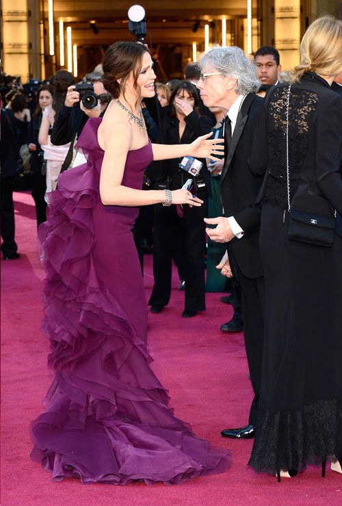 Oscars 2013: Jennifer Garner in Gucci | Tom & Lorenzo - love the color and the back of the dress.
