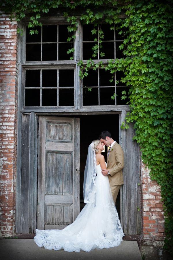 Pastel Rustic Wedding Ideas | Heart Love Weddings beautiful dress