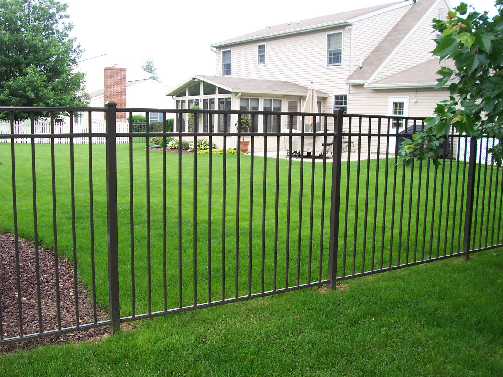 Prizm Vinyl Fences Style Kingston Color Black Modern Fence