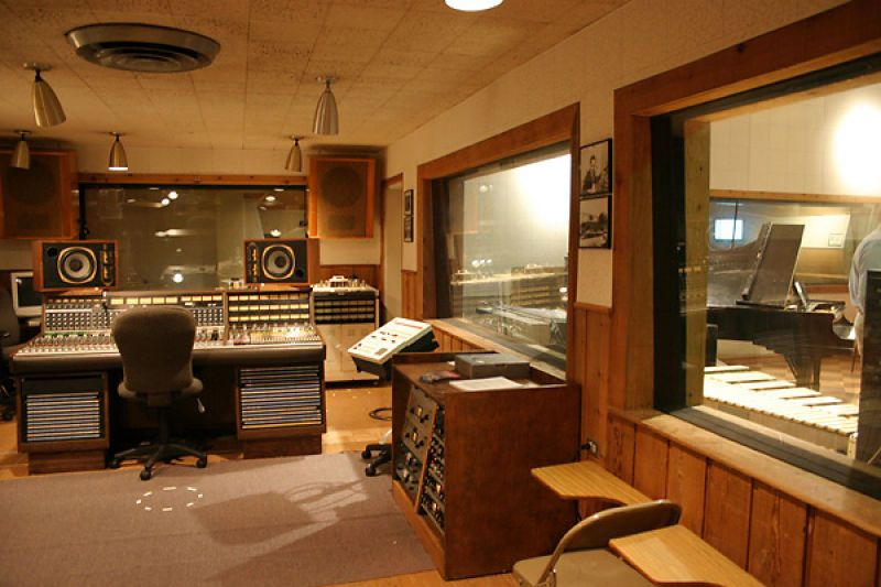 Rca Studio B Control Room Music Studio Home Studio Music Home