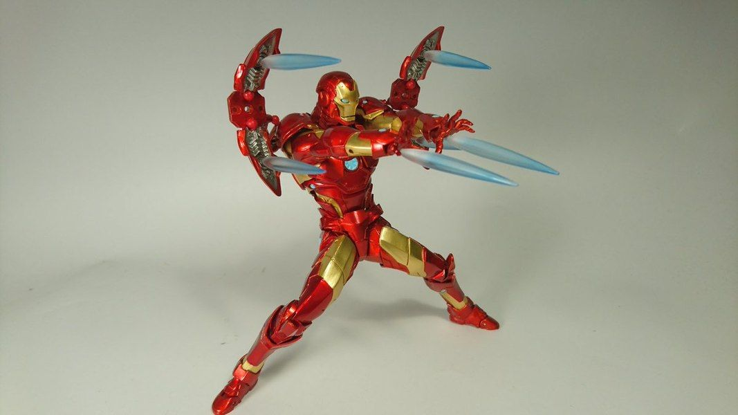 Marvel Amazing Yamaguchi Revoltech Bleeding Edge Iron Man Figure In Hand Images Iron Man Infamous Iron Man Male Figure