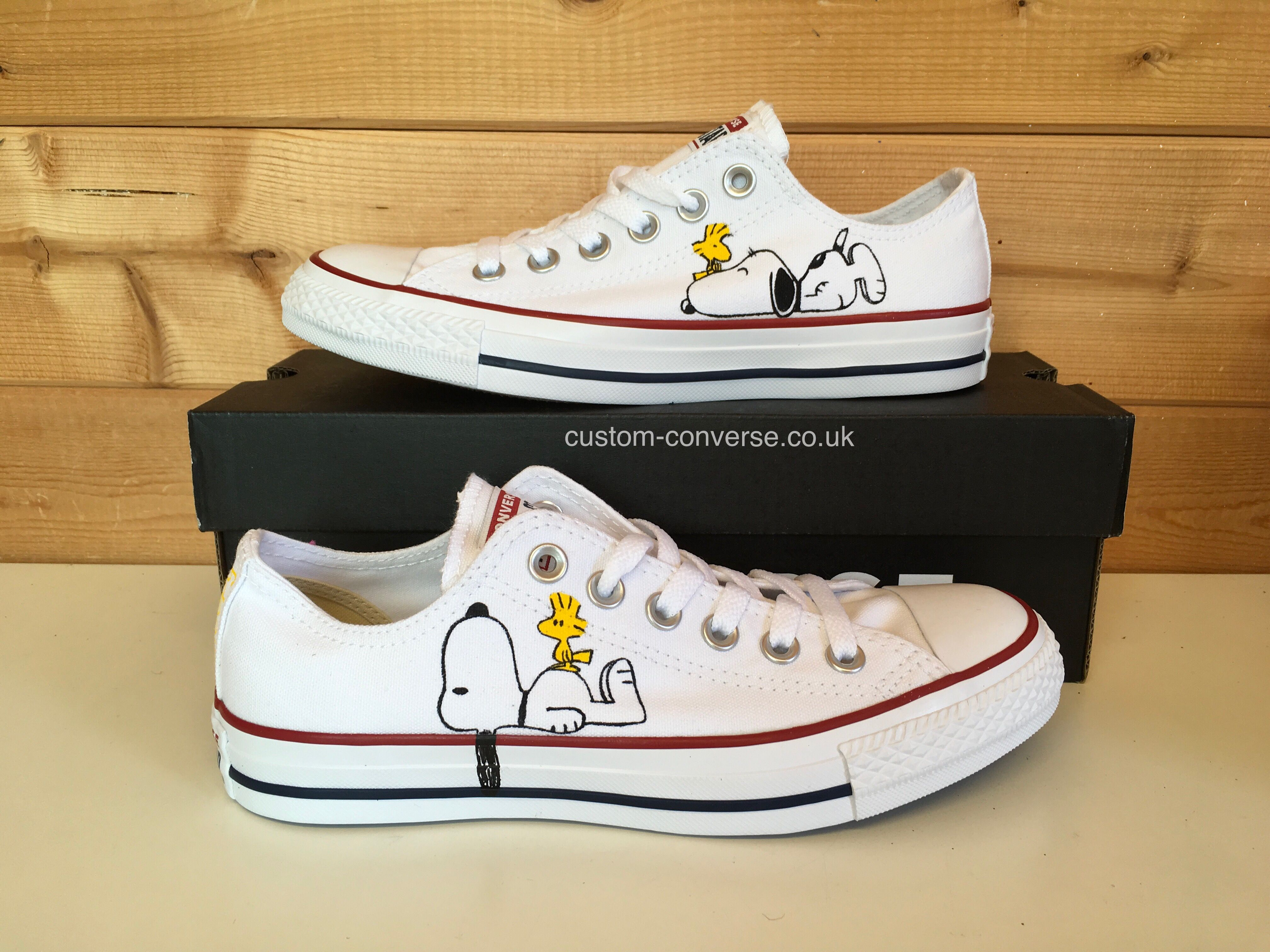 Snoopy Low Top Converse | Snoopy shoes, Painted shoes
