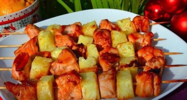 Шашлык из курицы с ананасом в духовке - рецепт с фото