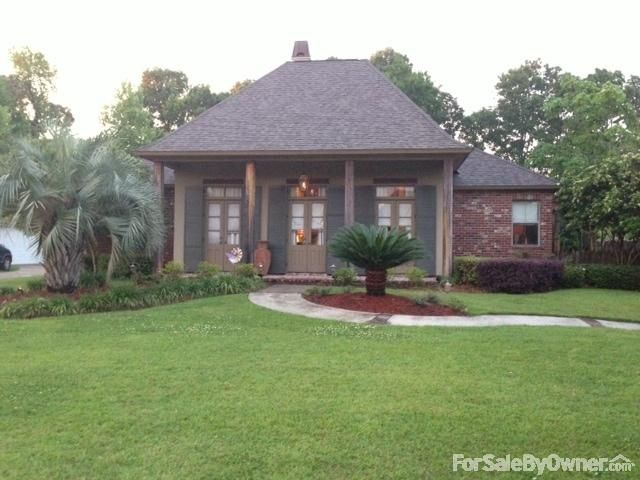 Beautiful 4 Bedroom 3 Bath Home In Prairieville Louisiana With Large Backyard And A Mother In Law Suite Please Repin Or Share Large Backyard Fsbo Home