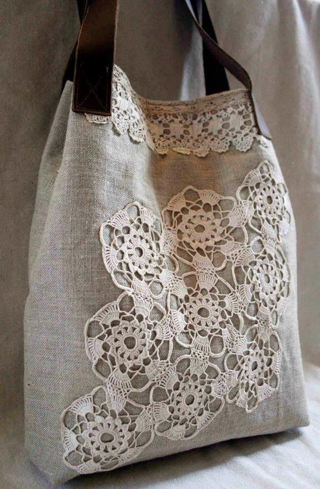 Vászon táska horgolt díszítéssel What a great way to turn a plain bag into something spectacular!