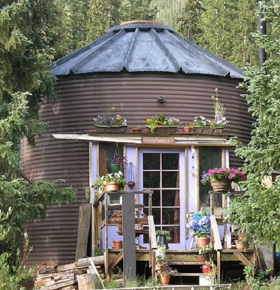Silos converted into houses grain bin house pinterest for Silo home designs