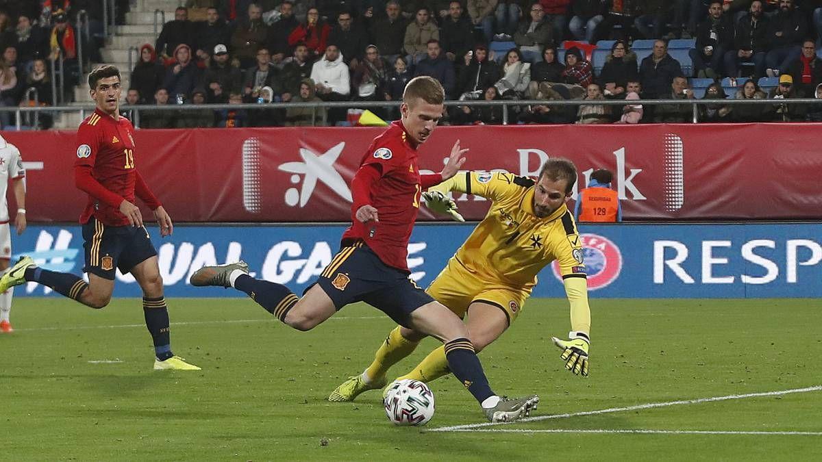Olmo Barcelona Submit Bid For Dinamo Zagreb Player Barcelona Football Man Of The Match Zagreb