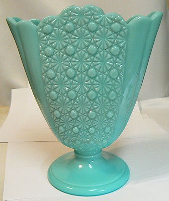 Fenton Fan Vase Daisy Button Pattern Turquoise Opaque 1950s Does