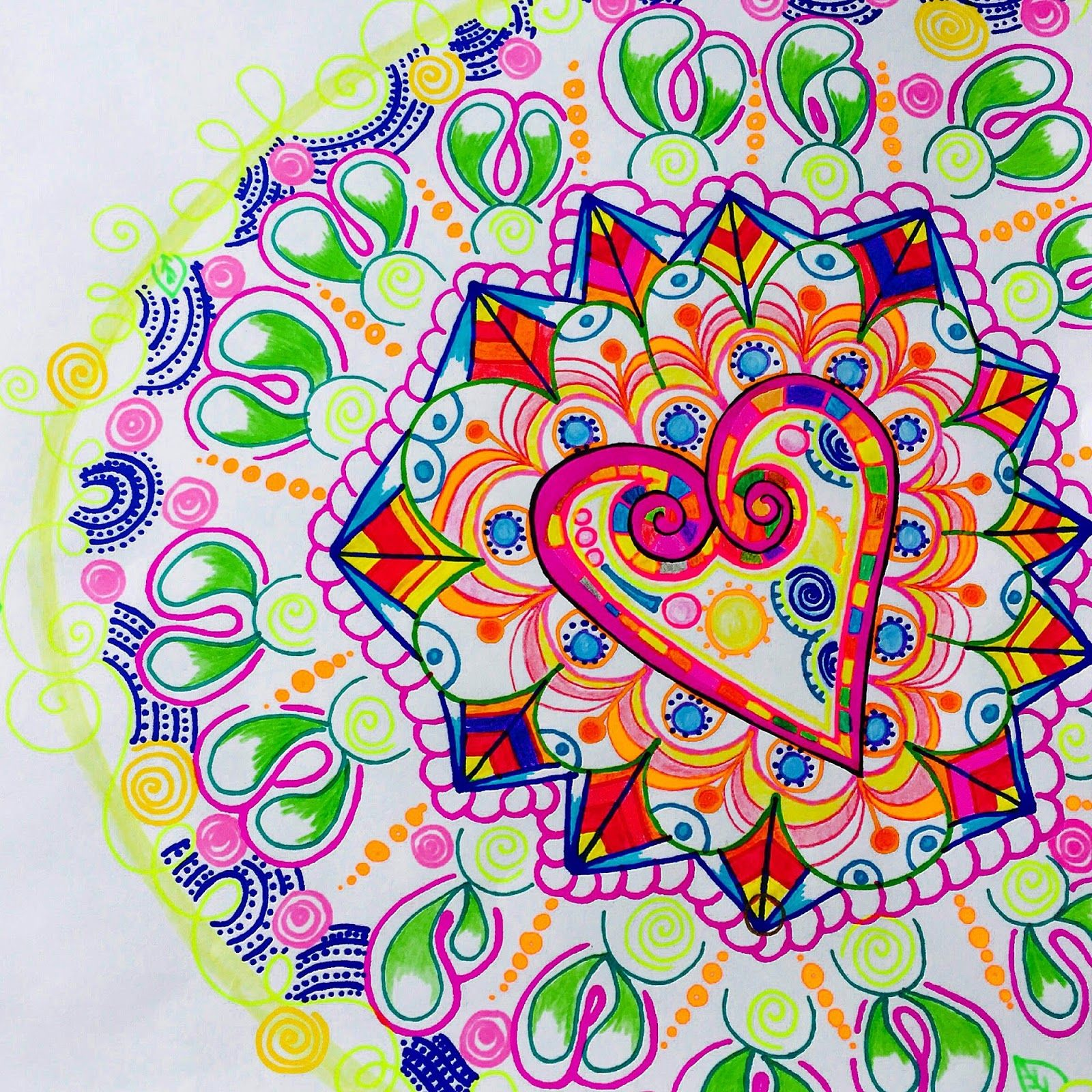 zentangle #mandala #corazon | @MissOjosArt | Pinterest