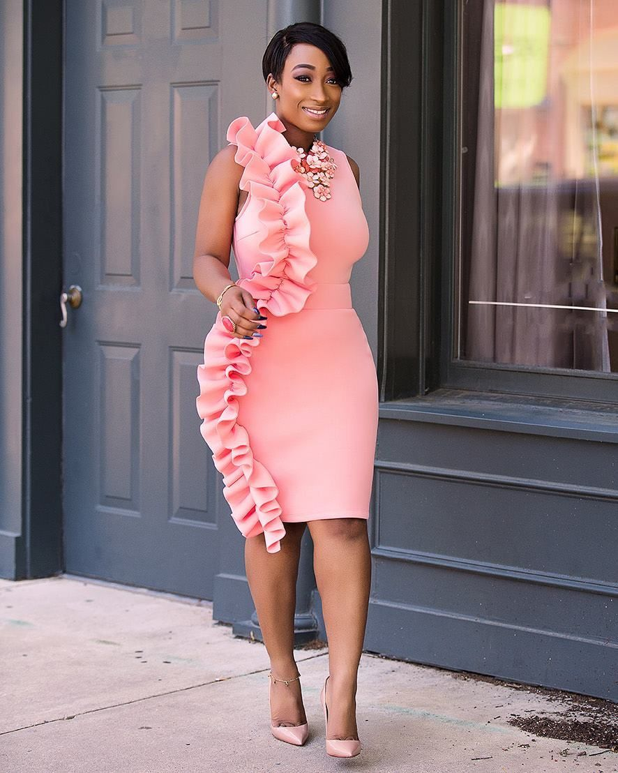 Chic Ama... Loving the ruffle waves on this beautiful dress | vor ...