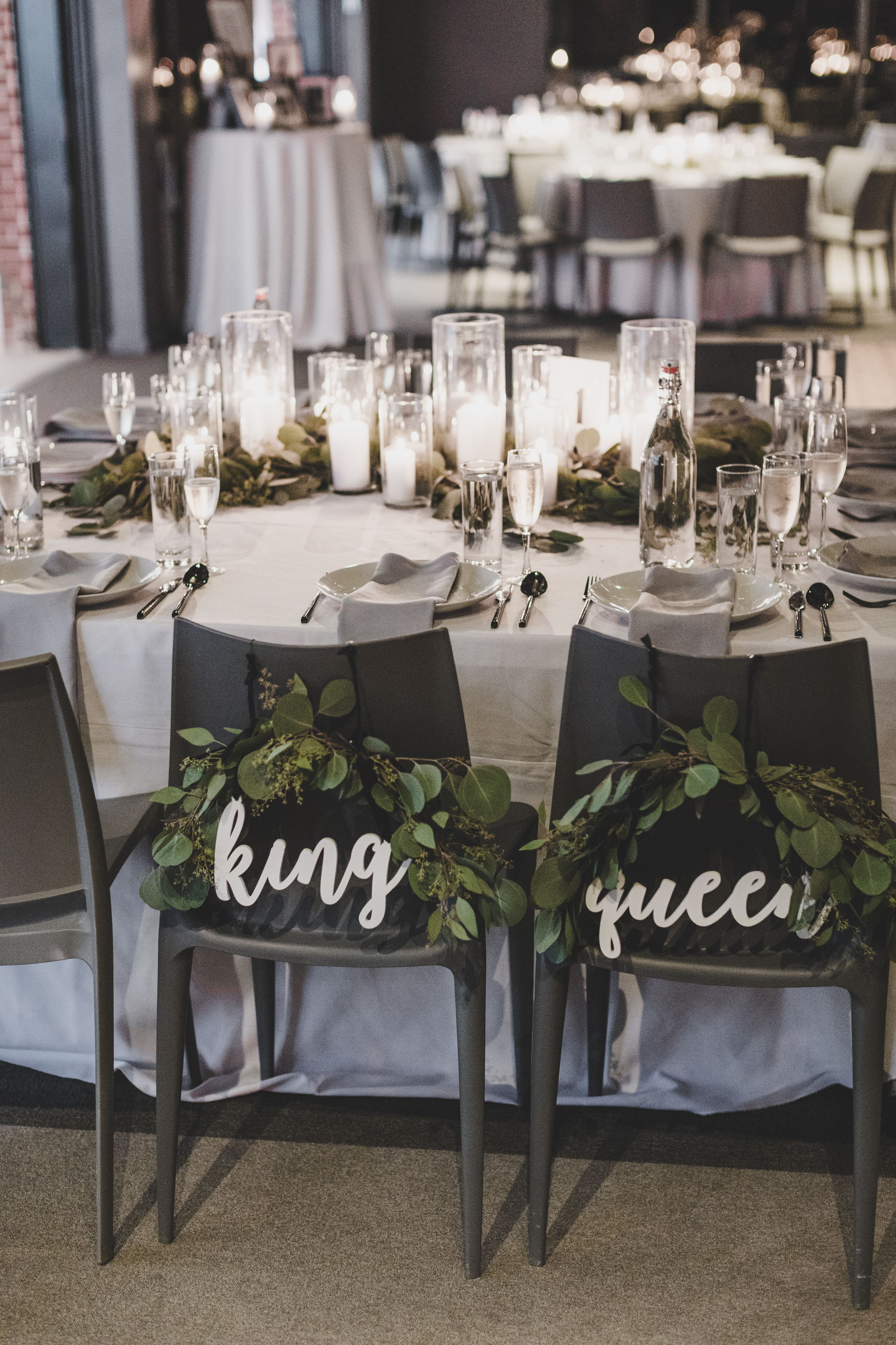 Bride And Groom Chair Signs In 2020 Wedding Decor Elegant Minimalist Wedding Decor Modern Minimalist Wedding