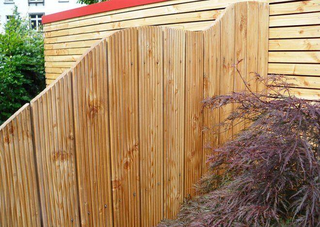 Einfache Blickschutzelemente aus Riffelholz Gartenzaun - gartenzaun holz selber bauen