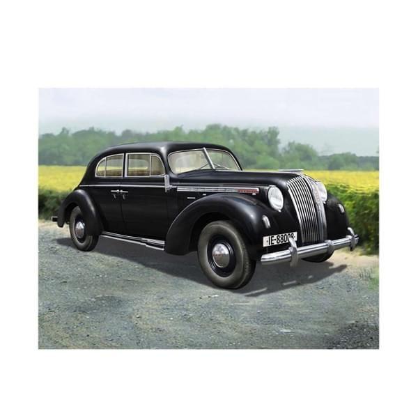 Photo of Revell Plastic Model Kit Luxury Class Car Admiral Saloon 1:24 – 95-07042