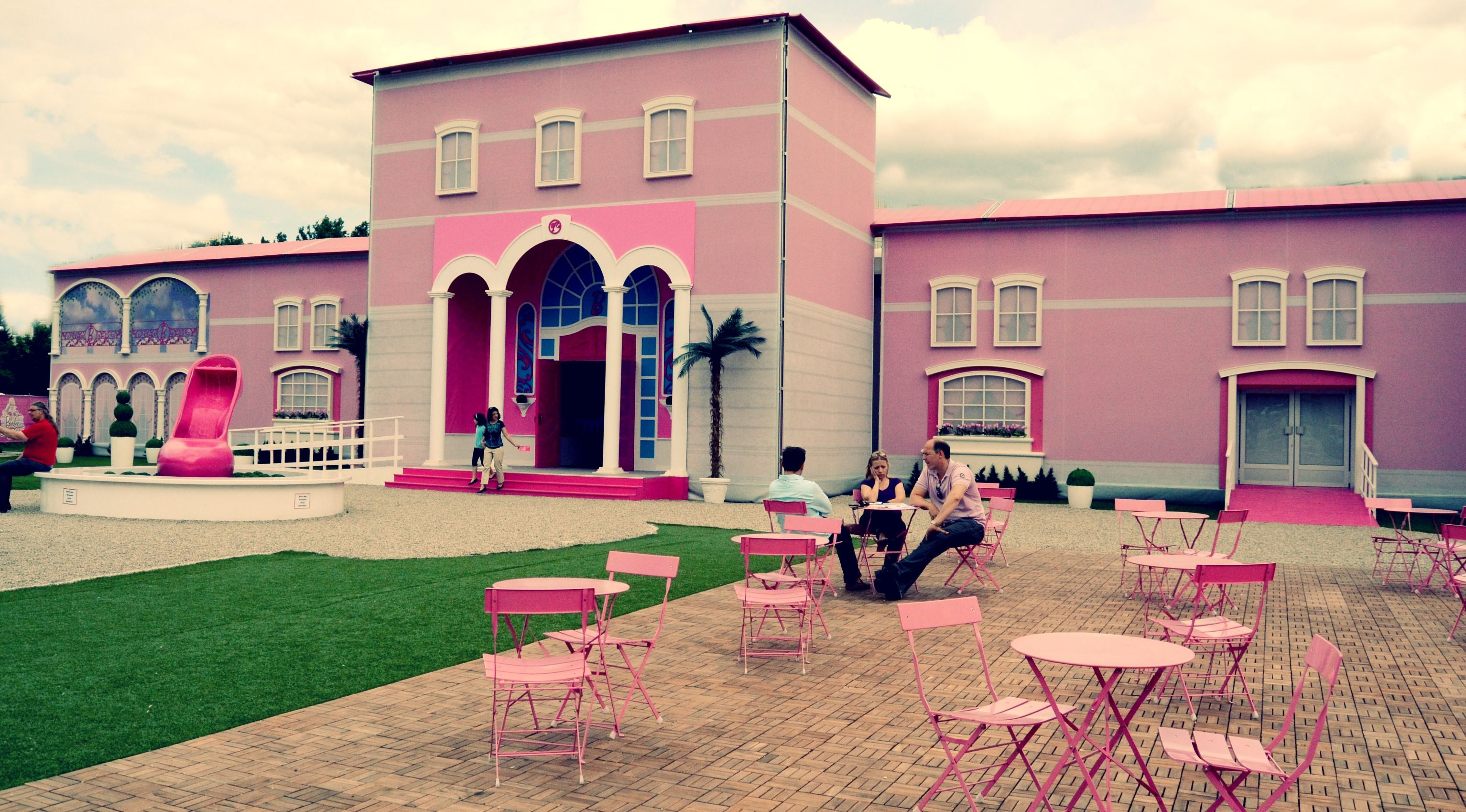 My Pink Dream House Barbie Pinkhouses