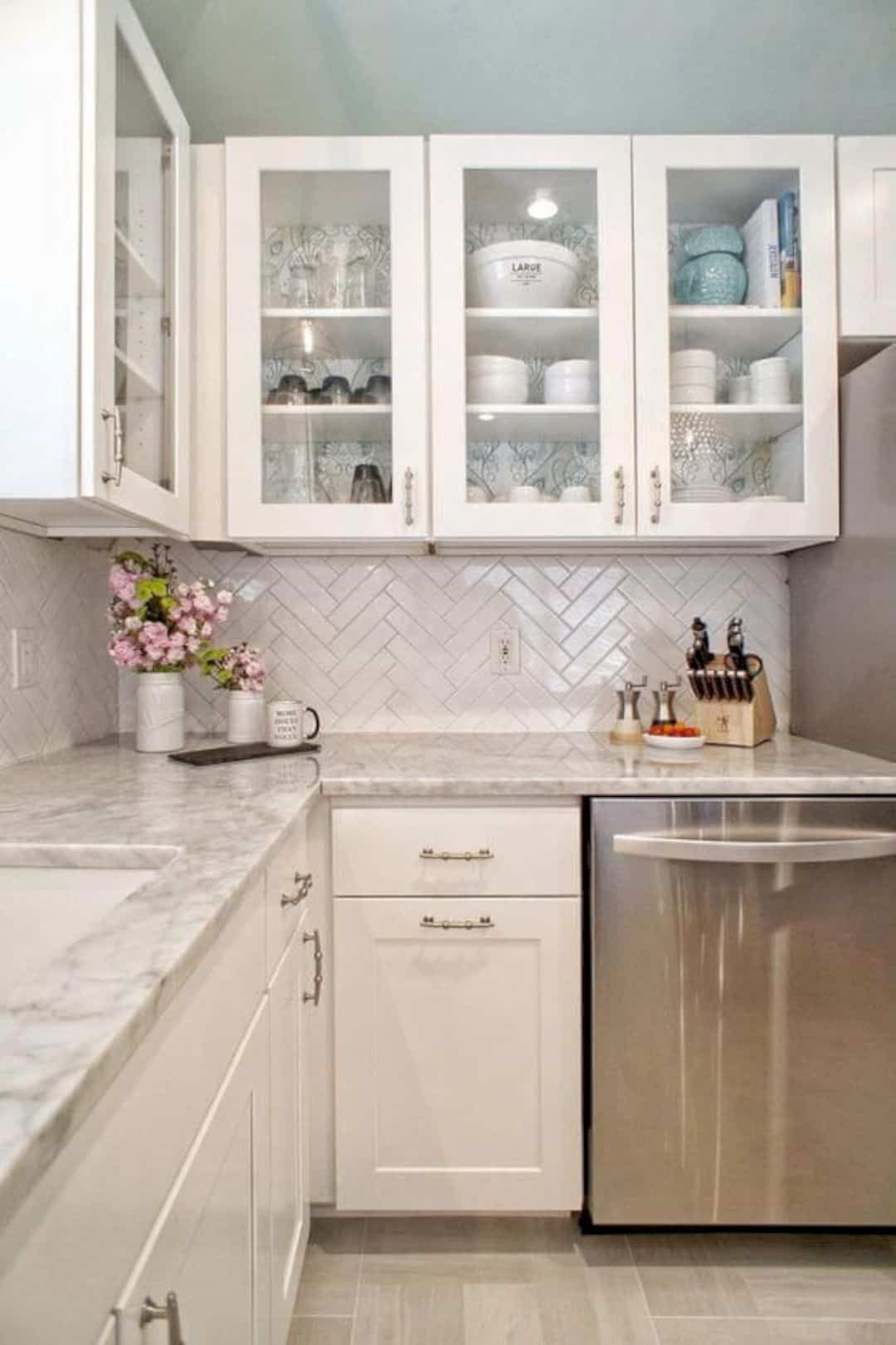 Gentle House Contemporary Interior And Small Loft Of Three Family Units In Single House Kitchen Backsplash Designs Kitchen Remodel Small Kitchen Design Small