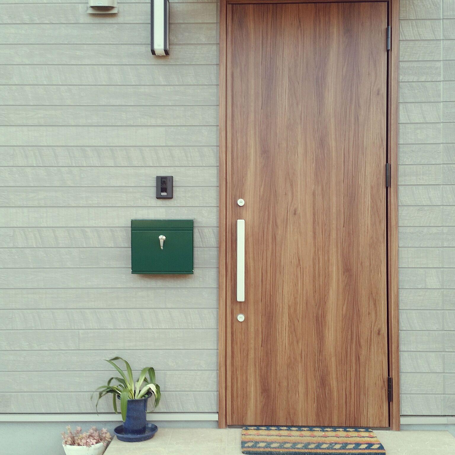 玄関 入り口 Lixil 玄関ドア ジエスタ2 M17型 などのインテリア実例 2019 01 14 20 24 28 Roomclip ルームクリップ 2020 玄関ドア 玄関ドア リクシル 玄関