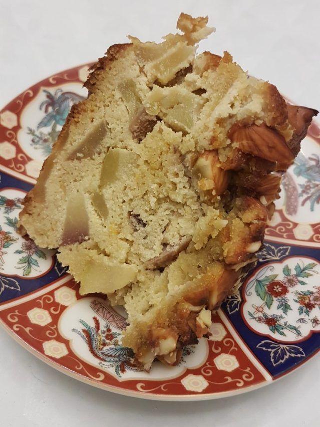 Apple almond cake – No flour, No refined sugar