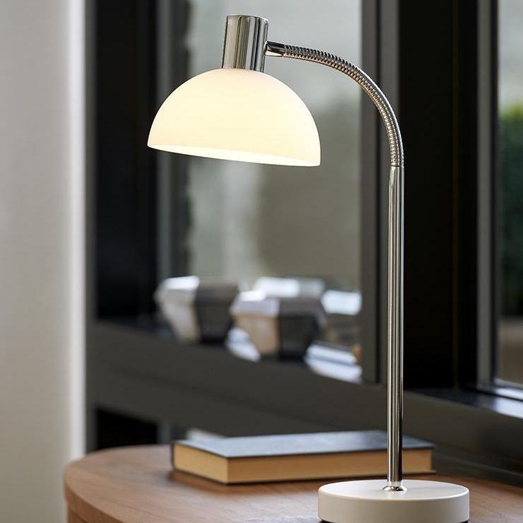Herstal Vienda Flex Bordlampe Krom Hvitt Glass Herstal