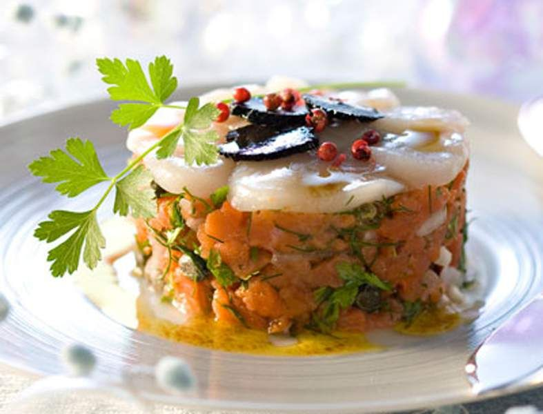 Découvrez la recette des blinis de saumon fumé, chantilly aux herbes