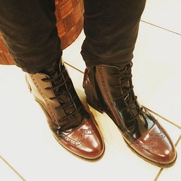 Los zapatos estilo Oxford son tendencia, también en tipo bota!
