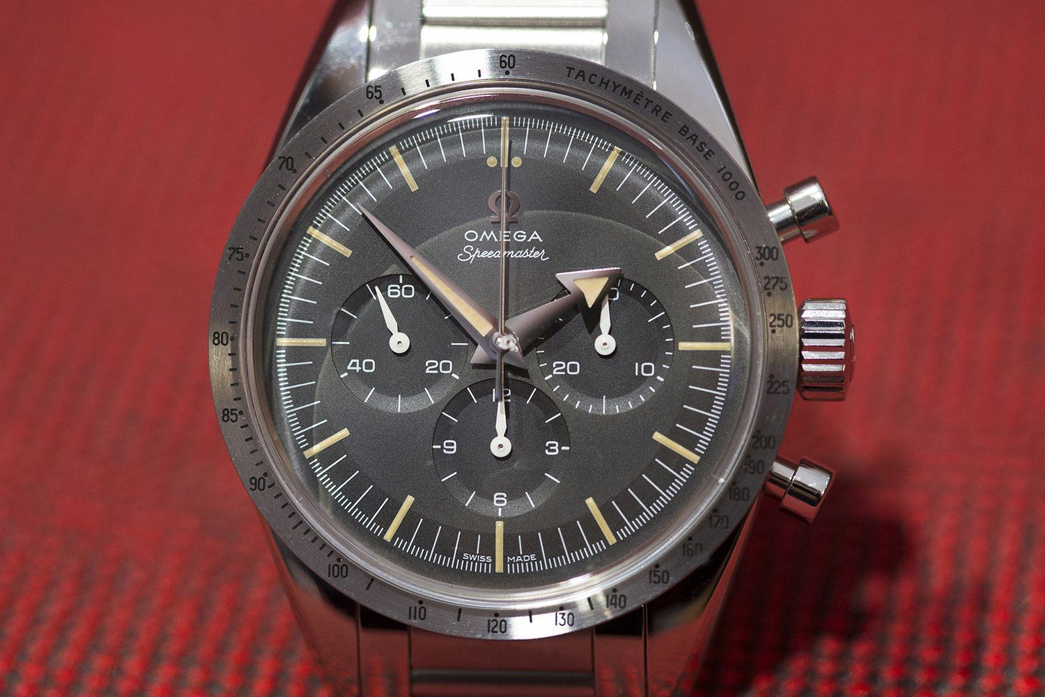 Today was the first official day of Baselworld 2017, and as we've done for so many years now, we began the day at 9:00 AM with Omega. Omega is surely having one of the strongest fairs so far, showing not only some amazing limited editions that have the interwebs chattering, but also some really nice commercial pieces such as the racing dial master chronometer Speedmasters. Today, Ben and Louis sat down to discuss their favorite pieces from the 2017 Omega collection and provide all the inf...