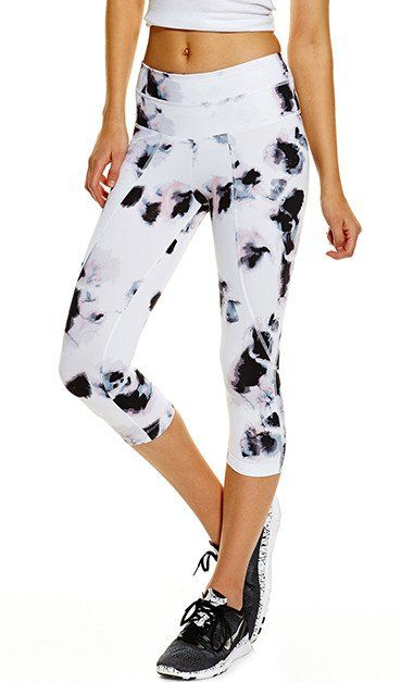 ac87bff5fd2a2 #mightyaphrodity #athleisure #activewear #summer #chic #trendy #yoga  #spinning #soulcyce #purebarre #kaylaitsines #fit #healthy #varley #pico  #crops #tights ...