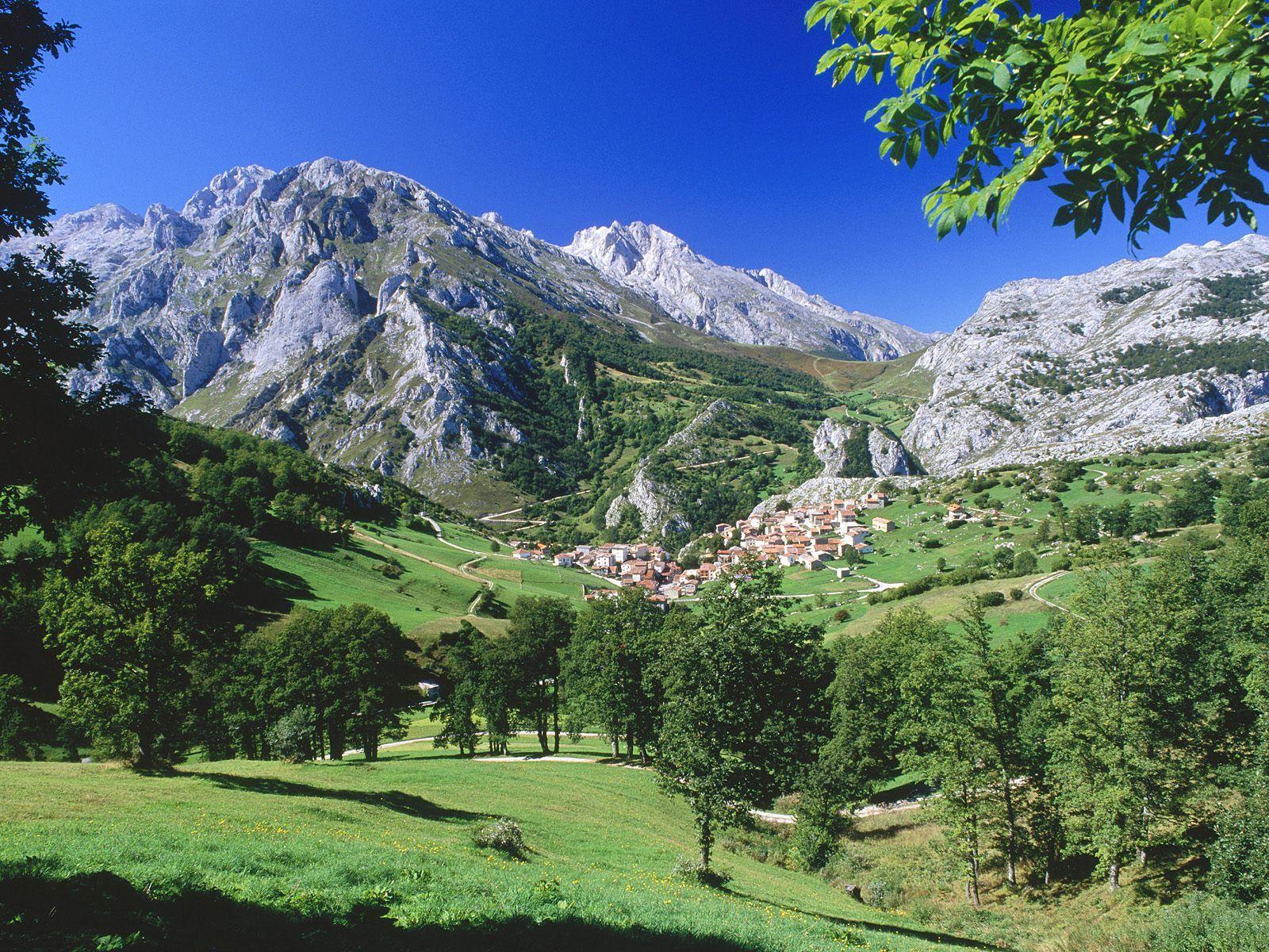 Mountains Waterfalls Photo Mountains Places In Spain Europe Wallpaper Asturias