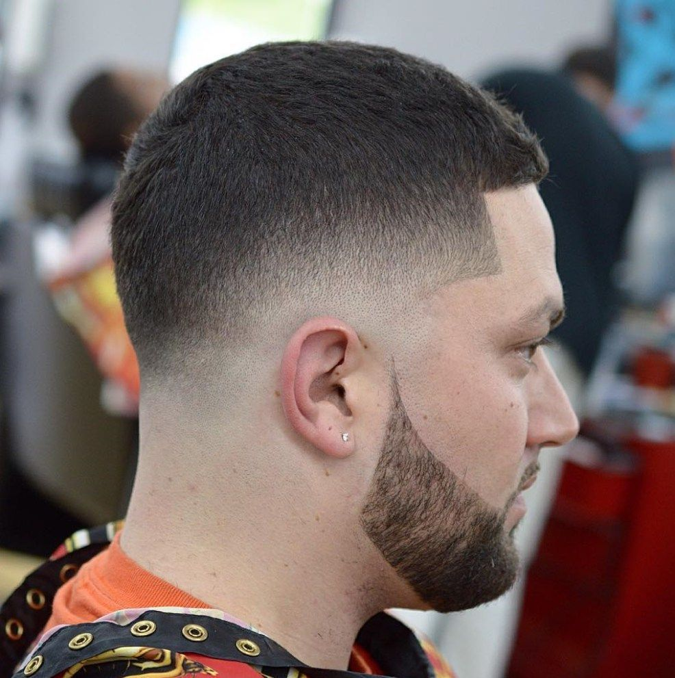25 Taper Fade Frisuren Fur Manner Die Grossartig Aussehen Die Beste Frisur 25 Taper Fade Frisur In 2020 Mens Haircuts Short Mens Haircuts Fade Taper Fade Haircut