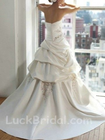 Side-Draped Satin Sweetheart Appliques Wedding Dress