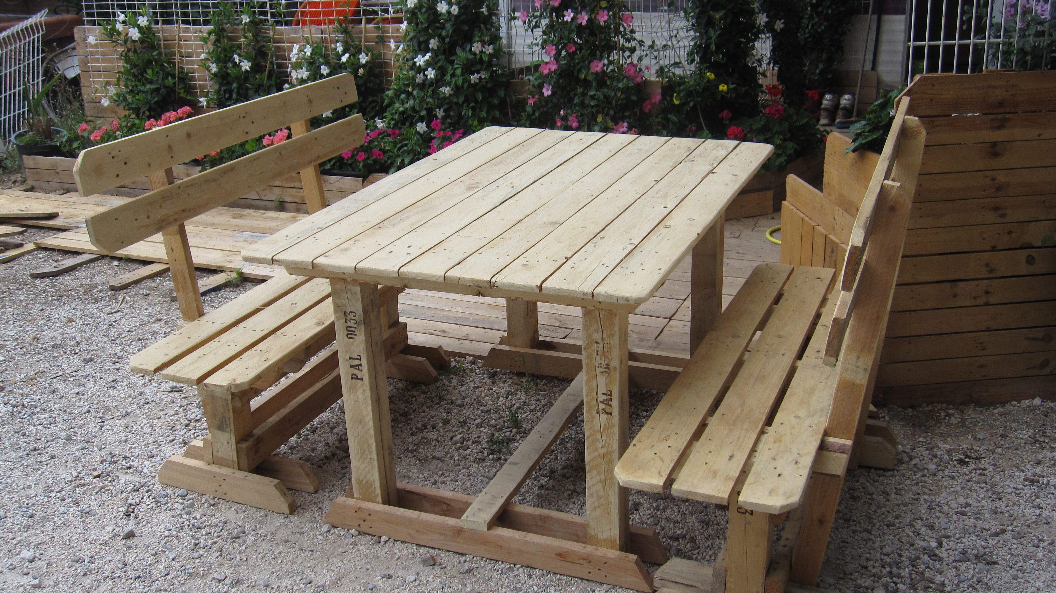 Outdoor Pallet Benches Table 1001 Pallets