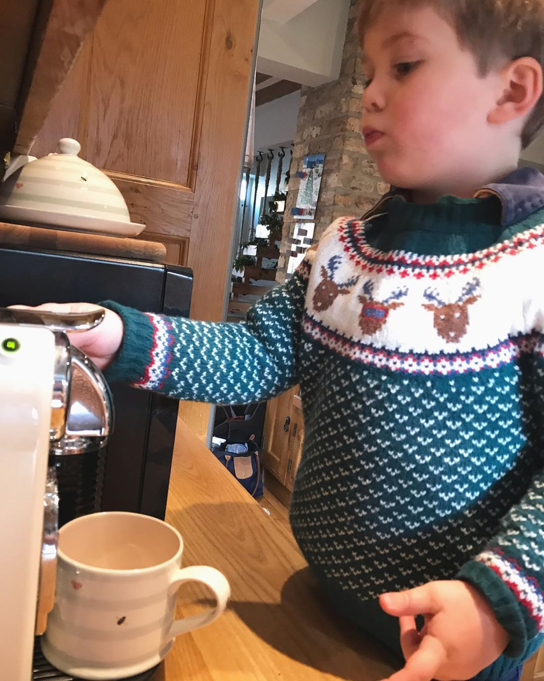 Good morning! It's a Henry and mummy day today  with very little plans other tha... #barista #christmascards #christmasfeels #christmasjumper #coffee #countrylife #countryliving