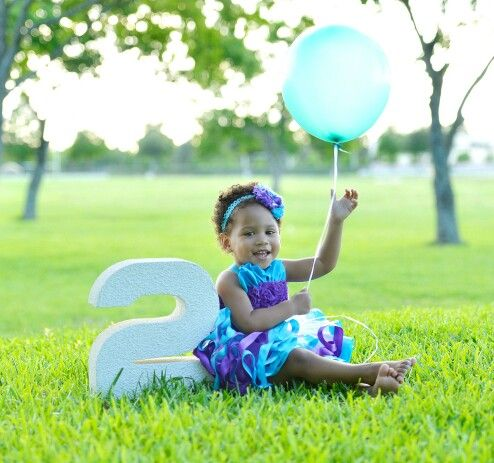 2 year old photo shoot - outdoor