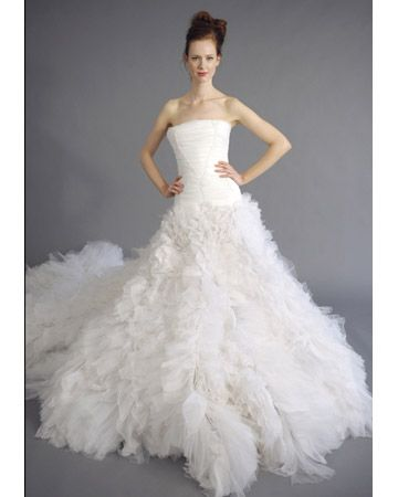 Douglas Hannant The Shirred Tulle Skirt And Cathedral Length Train On This Gown Makes It Perfect For A Modern Day Fairy Tale Style Sll 94511