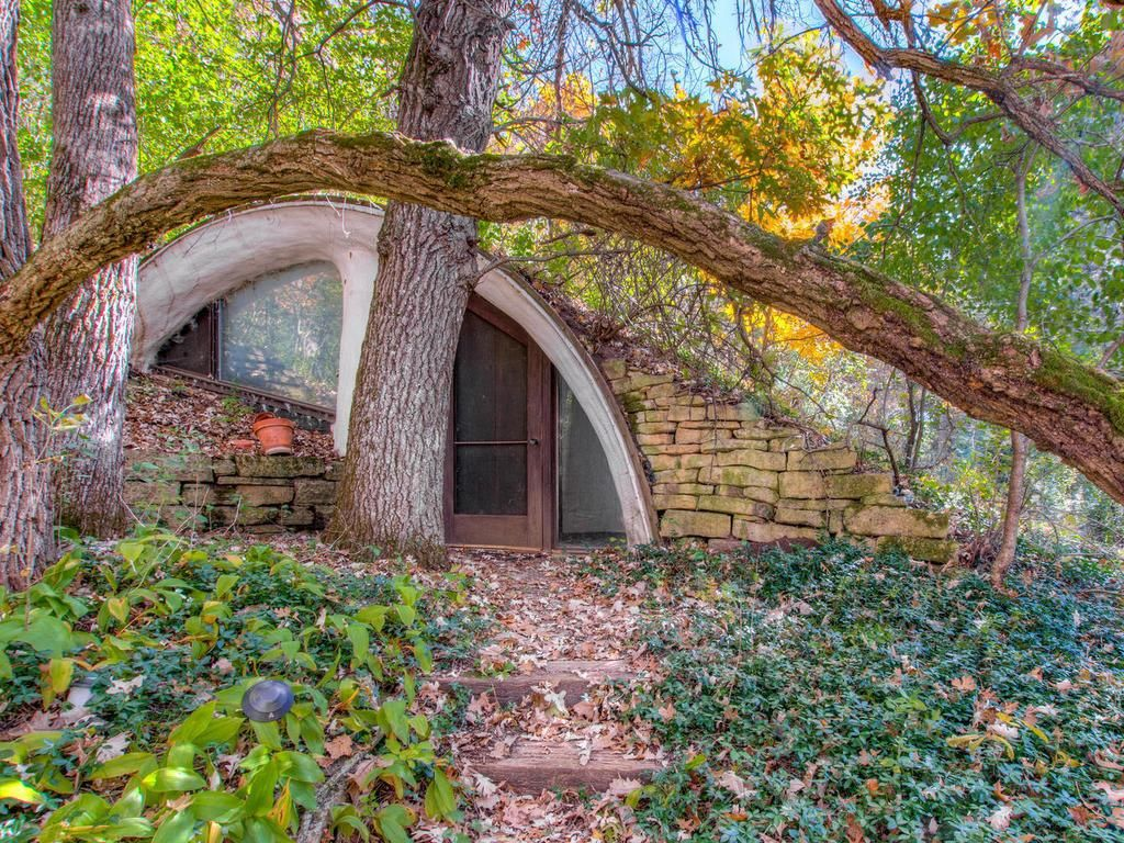 N8064 975th St River Falls Wi 54022 Bermed Earth Sheltered Home Designed By The Architect Mike Mcguire Earth Sheltered Homes Hobbit House Earth Sheltered