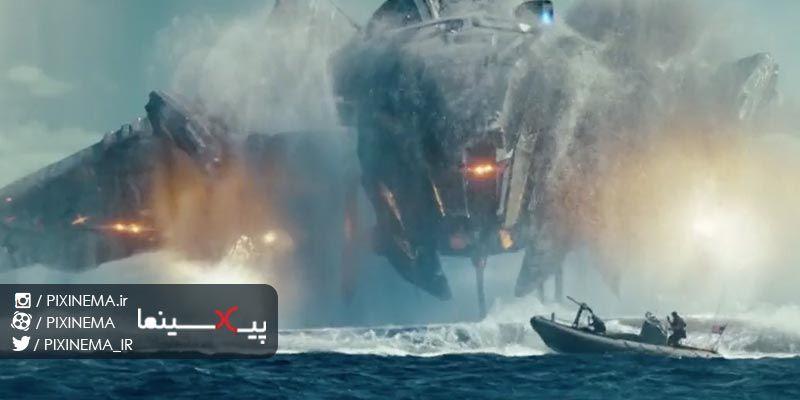 فیلم نبردناو سکانس اولین رویارویی با موجودات فضایی در اقیانوس سروان الکس هاپر به همراه دو سرباز به جسم عظیم و عجیب In 2020 Natural Landmarks Landmarks Niagara Falls