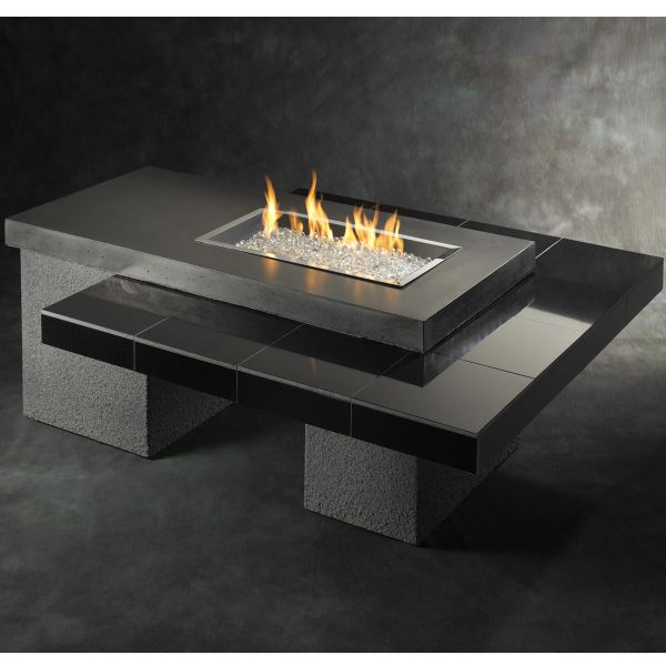 Attractive Smooth U0026 Sleek Granite Combines With Stucco To Create A Modern Fire Pit  Table