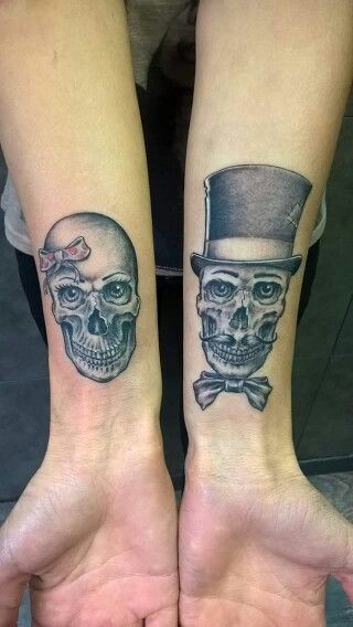 T te de mort couple tattoo tattoos pinterest t te de mort tete de et en t te - Tatouage couple original ...