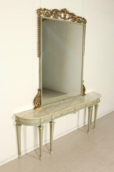 Consolle con Specchio retta da sei gambe troncopiramidali presenta ...