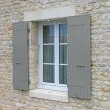 Gris Mastic Volet Bois Couleur Facade Maison Maison En Pierre