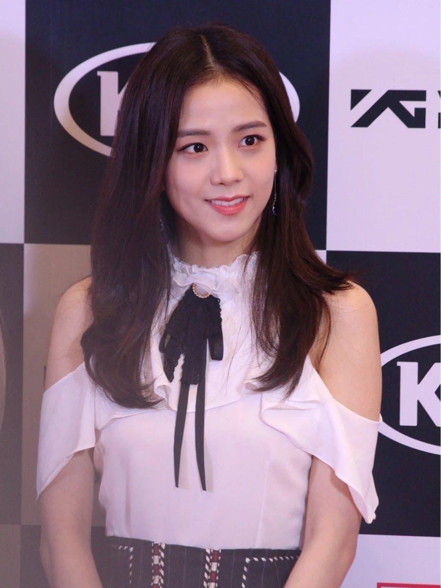 Here Are The 30 Most Popular Idols In Korea Right Now Kpop Girls Blackpink Photos Blackpink Jisoo