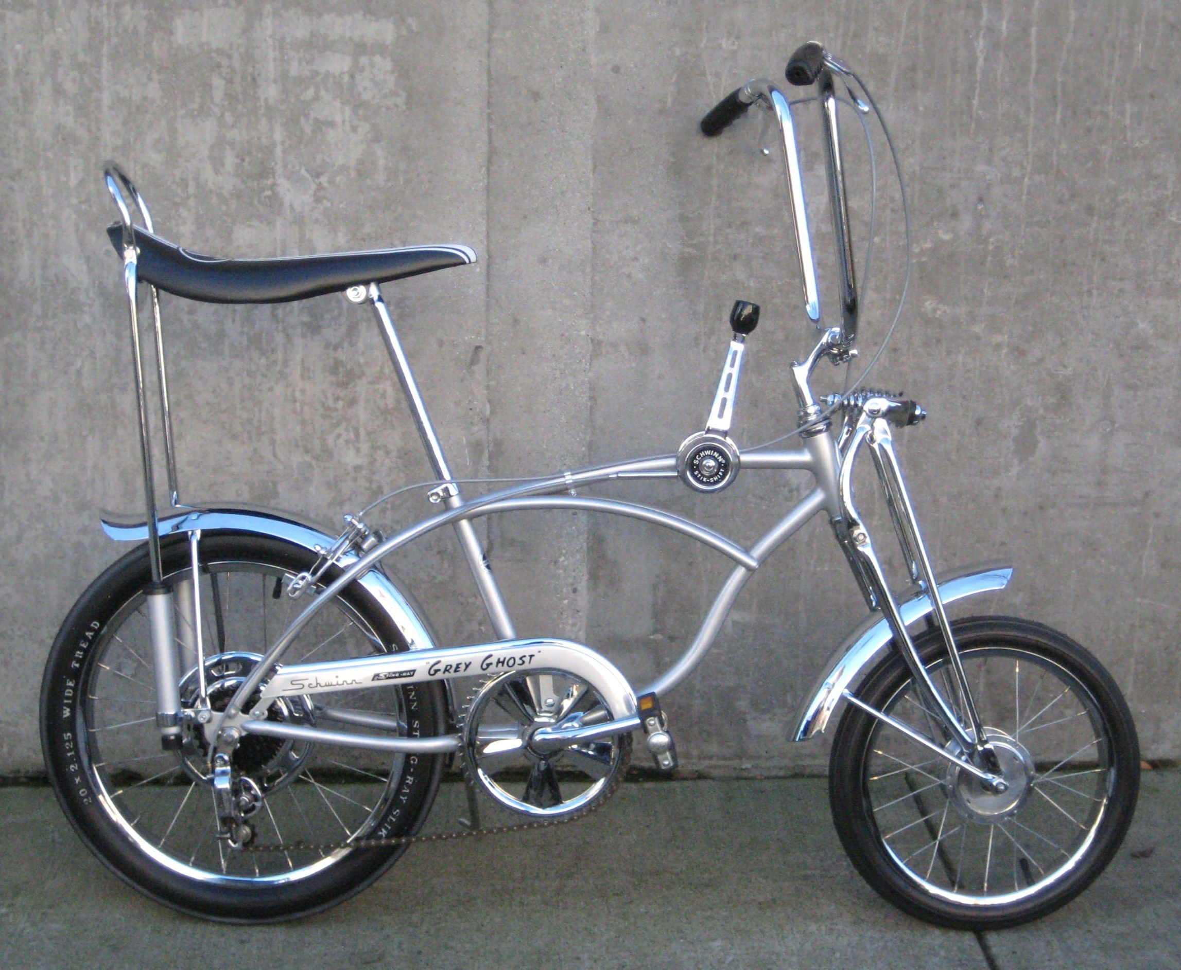 Museum Bikes From 1966 To 1985 On Display At Classic Cycle Classic Cycle Bainbridge Island Kitsap County Schwinn Bicycles Schwinn Bike Lowrider Bicycle