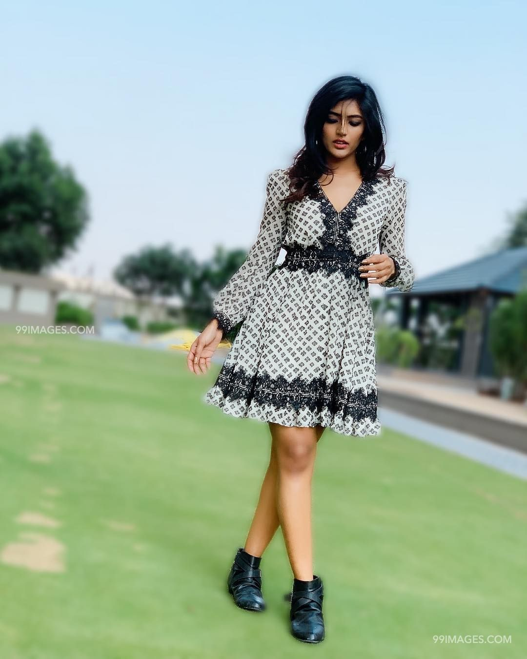 Eesha Rebba Beautiful Photos & Mobile Wallpapers HD