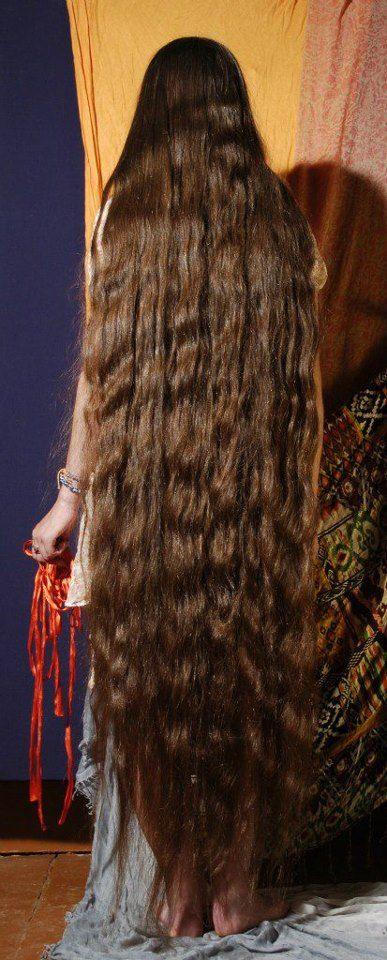 Long hair down to her feet Long hair ankles & longer 1