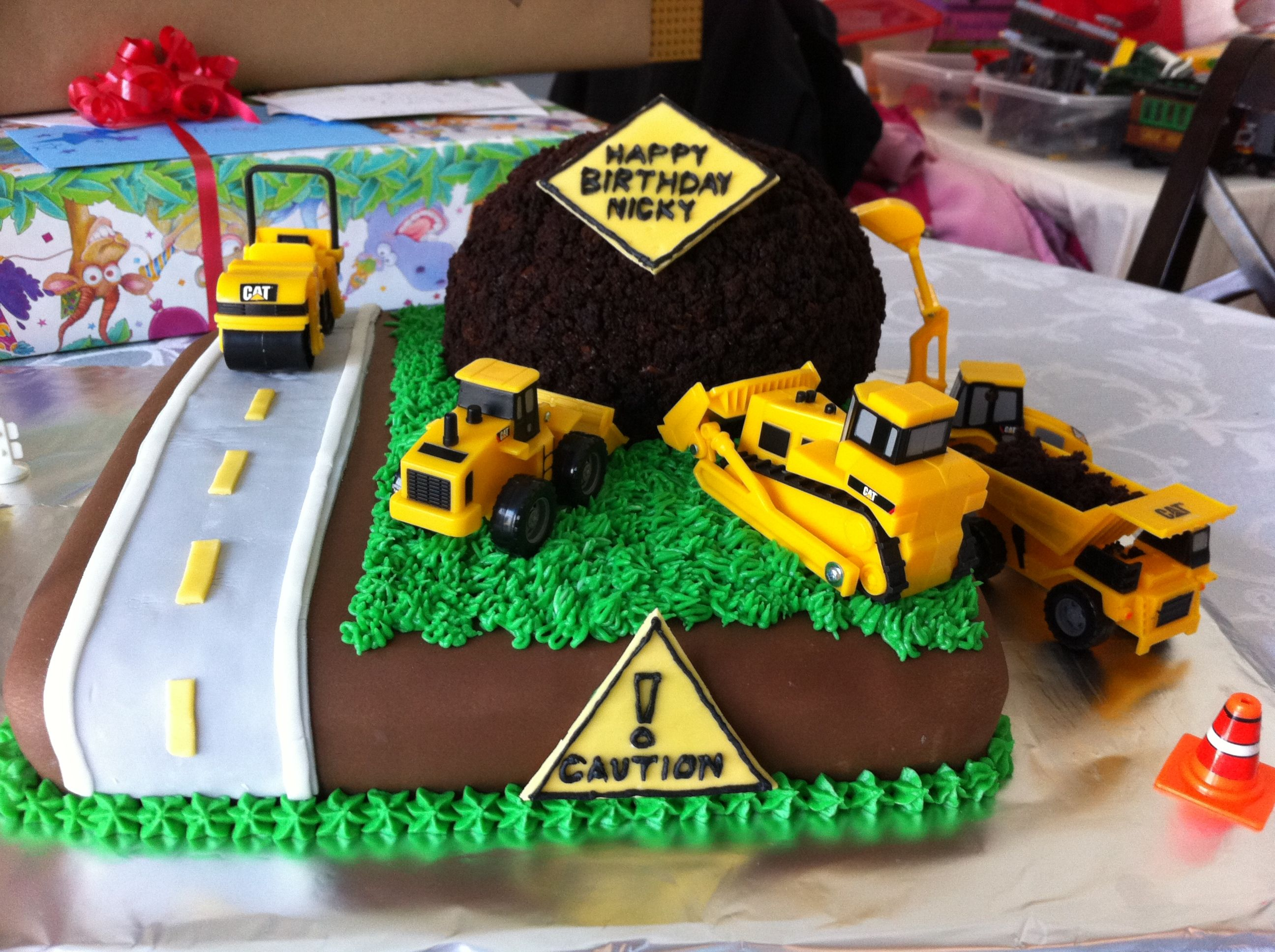 Phenomenal Construction Zone Truck Birthday Cake Truck Birthday Cakes Funny Birthday Cards Online Sheoxdamsfinfo