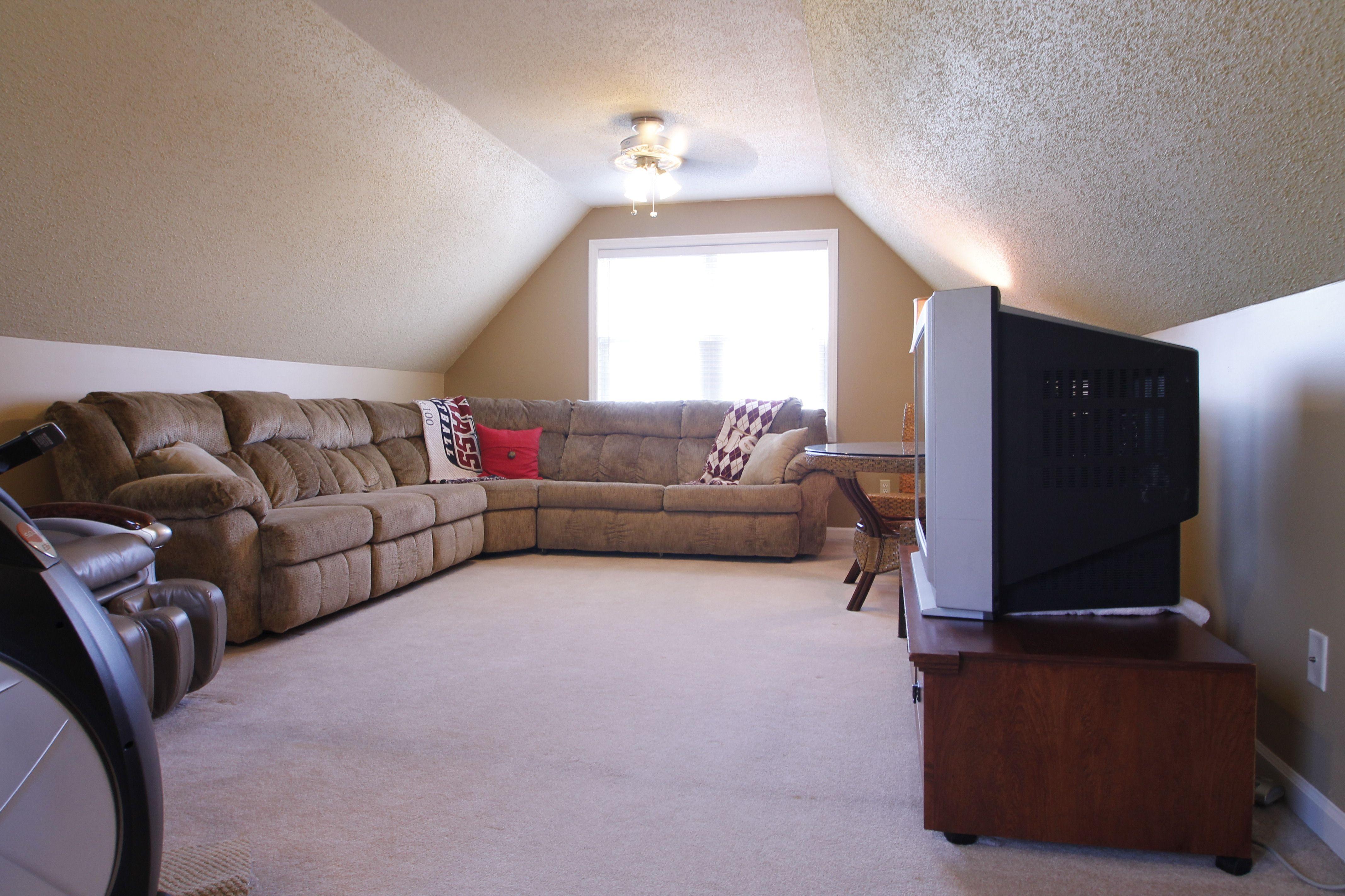 Bonus room above garage apartment pinterest bonus for Bonus room over garage