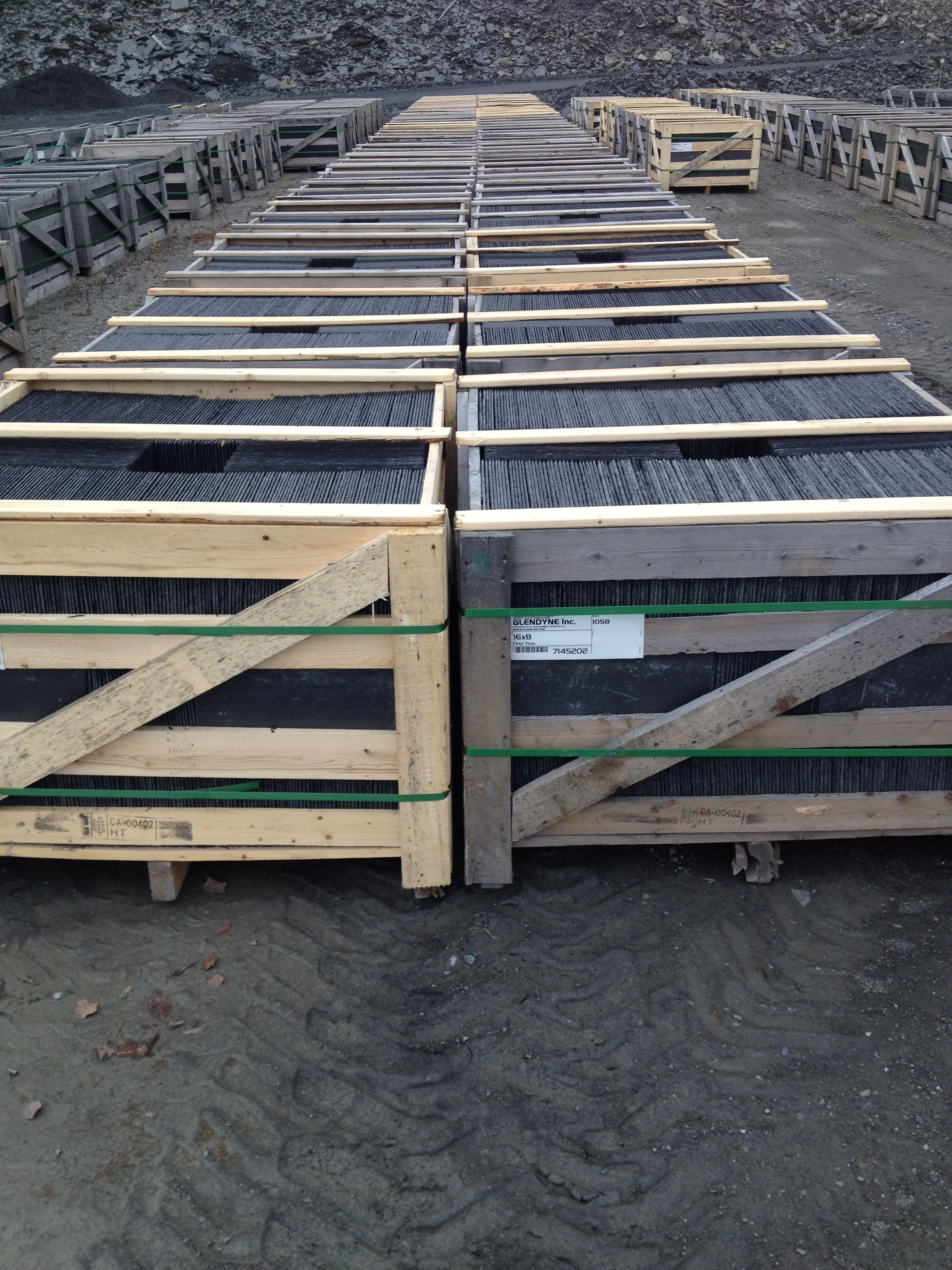 Pallets Ready For Shipping Slate Pallets Can Weigh Between 3000 To 3500 Lbs Each Each Pallet Holds 3 To 3 12 Squares Of Roo Slate Roof Roofing North Country