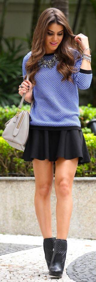 Blusa de frio + saia preta